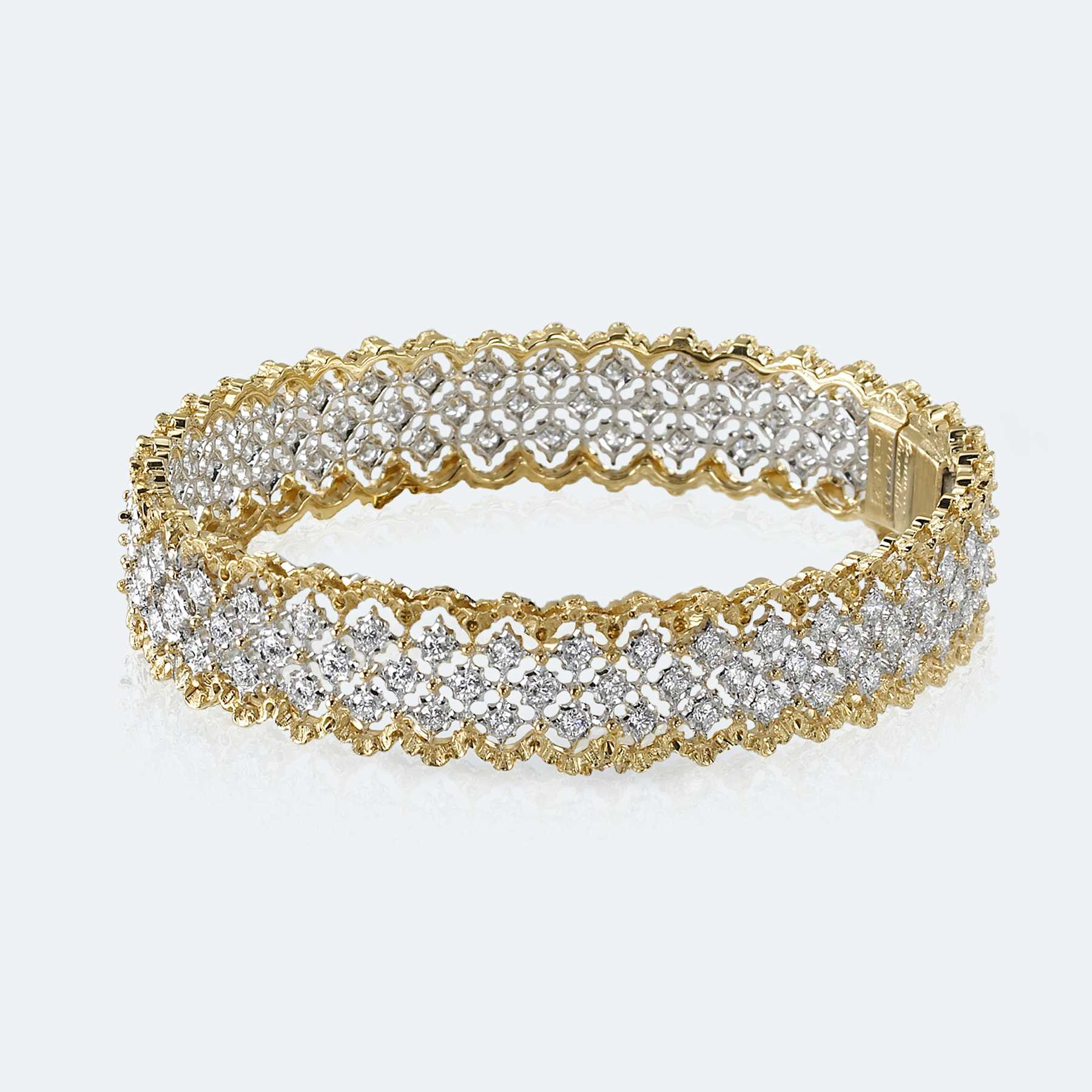 Buccellati Rombi Bangle Bracelet in White Gold Set with Diamonds