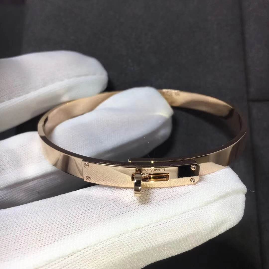 Hermes Kelly Bracelet in 18k Rose Gold set with 4 Diamonds