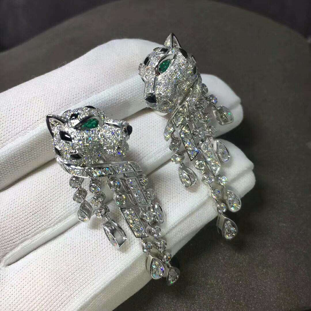 Panthère de Cartier earrings in Platinum set with 310 Brilliant-cut Diamonds HP800755