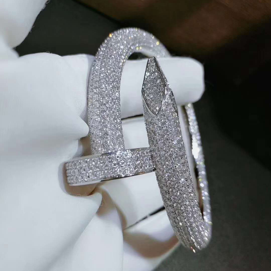 Custom Cartier Juste un Clou bracelet Extra Large Model in 18k White Gold with 1752 brilliant-cut diamonds HP601192